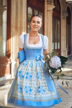 Cute Dress Outfits, Cute Dresses, Blue Outfits, Paisley, Dirndl Dress, German Women, Glamour, Cinderella, Cool Style