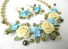 Bib necklace Flower jewelry set  Pearl jewelry  by insoujewelry
