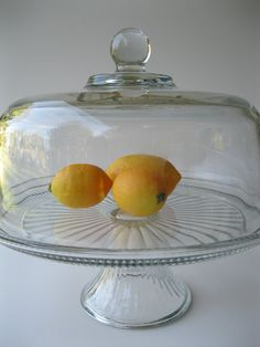 Vintage Cake Stand (I already have this at home. Was my grandma's, that would be sweet to have at the wedding. ) Vintage Cake Stands, Pedestal Cake Stand, Take The Cake, Kitchenware, Clear Glass, Basket, Wedding Ideas, Bread, Decorating