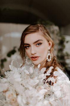 Gold Bridal Earrings, Boho Earrings, Etsy Earrings, Bridal Jewelry, Statement Earrings, Pearl Earrings, Boho Fashion, Fashion Quiz, Bridal Fashion