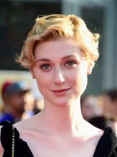 Elizabeth Debicki Short Curls - Elizabeth Debicki attended the premiere of 'The BFG' wearing this adorable short curly 'do.