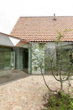 Contemporary Architecture, Interior Architecture, Old Style House, Bungalow Renovation, House Extensions, Facade House, Modern Buildings, Exterior Design, Future House