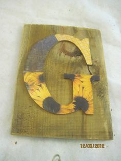 G letter shabby rustic wall decor