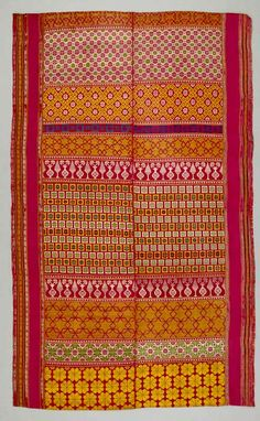 Africa | Shawl from the 16th to 17th century | Silk, metal thread | Silk weaving in Maghreb, particularly in the famous workshops of Fez, Morocco, was a distinctive large-scale urban production. Maghreb silk fabrics, furnishing materials and shawls were exported to Europe, Asia and trans-Saharan Africa. Intricate geometric and abstract designs were inherited from the art traditions of Andalusia, and reflected artistic canons of international Islamic culture.
