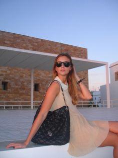 Cristina Carrillo - SPAIN  http://ecobloggercristinacarrillo.com/2014/10/07/lady-rock/