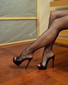 get discount Sexy! Sexy Legs And Heels, Hot High Heels, High Heels Stilettos, High Heel Boots, Stiletto Heels, Nylons Heels, Stockings Heels, Pantyhose Legs, Tights And Heels