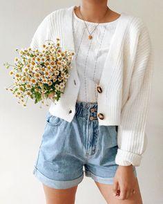 Fashion Mode, Fashion Outfits, Fashion Hats, Fashion History, Fashion Fashion, Korean Fashion, Winter Fashion, Fashion Jewelry, Womens Fashion