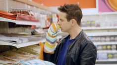 Official New Kids On The Block(@nkotb)のInstagram : 「Makeup-less and mortified, @whatsupmoms run into @joeymcintyre at a local @target 🤣 Link to full…」