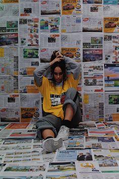 Photography Ideas At Home, Creative Fashion Photography, Retro Photography, Creative Portrait Photography, Portrait Photography Poses, Photography Poses Women, Creative Photoshoot Ideas, Creative Instagram Photo Ideas, Photoshoot Concept