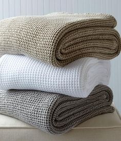 A richly textured sweater-soft knit of pure 100% cotton throw blanket that adds dimension, sophistication and warmth by Country Curtains.