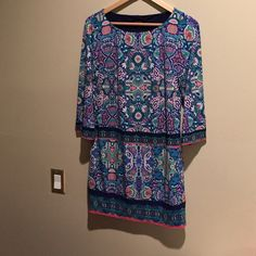LAUNDRY paisley tunic Paisley tunic, size XS. Worn twice. Cute with flats or leggings/boots. Laundry by Shelli Segal Dresses Mini