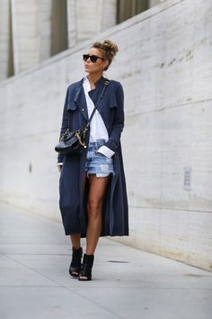 How To Dress For Your Body Type #shorts #blogger #fashion #summer #sunglaesses