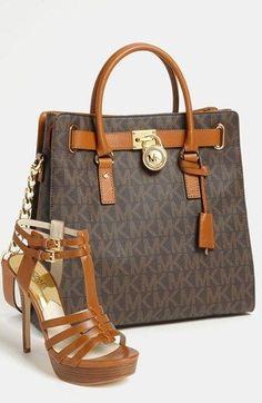 Michael Kors colecciones - primavera - verano bolso - cartera - bandolera - bag - handbag http://yourbagyourlife.com/ Love Your Bag.                                                                                                                                                                                 Más