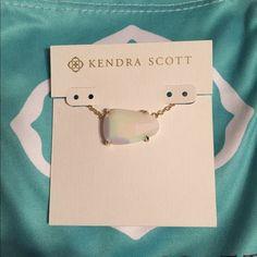 Kendra Scott Isla Necklace Ivory Pearl Kendra Scott Isla Necklace Ivory Pearl. Brand new! Great for summer! Kendra Scott Jewelry Necklaces
