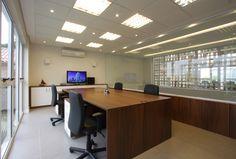 Sala de projetos na sede da Rokrisa Engenharia em Curitiba - PR