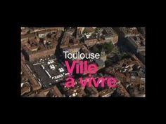 Toulouse  On surnomme Toulouse la 'ville rose' en référence à la teinte rouge-orangée des briques qui recouvrent la façade des maisons.  Réservez votre vol au départ et à destination de Toulouse, dégustez les plats et vins régionaux et détendez-vous dans les cafés sur les berges de la Garonne. Toulouse comprend également quelques bâtiments remarquables, comme la basilique romane de Saint Sernin et le Capitol.  http://www.airfrance.fr/FR/fr/local/vols-air-france/vols-france/vol-toul