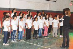 Casi 400 chicos participaron del Encuentro de Coros http://www.ambitosur.com.ar/casi-400-chicos-participaron-del-encuentro-de-coros/ Chubut fue elegida por segunda vez como sede del encuentro. Participaron coros escolares de Rawson, Puerto Pirámides, Esquel, Trevelin, José de San Martín y Lago Puelo. Asimismo de Bariloche e Ingeniero Jacobacci, por la provincia de Río Negro, y de Los Antiguos, de Santa Cruz.    Organizado por el Gobierno del Chubut