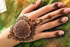 Simple Arabic Mehndi Designs For Hands For Beginners -Dainty Floral Slave Bracelet