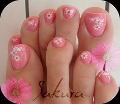 25 New Ideas For Flower Pedicure Designs Toenails Pink Toes Pink Toe Nails, Pretty Toe Nails, Cute Toe Nails, Gorgeous Nails, Pink Toes, Flower Toe Nails, Flower Pedicure Designs, Toenail Art Designs, Pedicure Nail Art