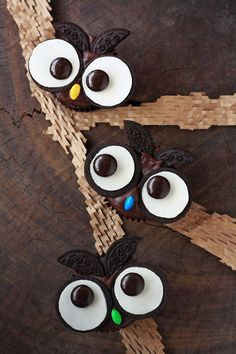 I've made these before but I love the idea of making feathers with oreos!