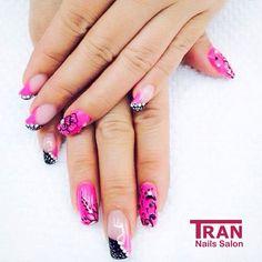 We <3 pink! #trannails #nageldesign #nagelstudioerbach #nailart #wallofnails #gel #manicure