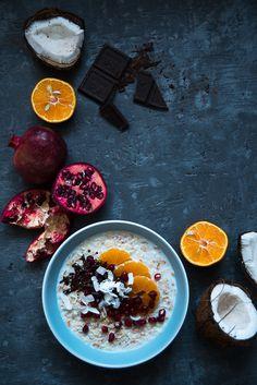 picante-jalapeno.blogspot.com: Orkiszowa owsianka z mandarynką, granatem, kokosem i czekoladą