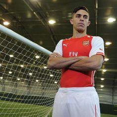 """Here he is - #Arsenal have signed Brazilian defender Gabriel!  #WelcomeGabriel"""