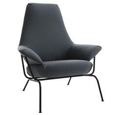 La creación de la silla Hai, tenía que cumplir ciertos requisitos relacionados con la filosofía de One Nordic, de ser efectivo en cuanto al costo de envio. Para solucionar esto, el respaldo de la silla Hai se dobla, ocupando menos espacio al ser transportada. Esta silla de líneas clásicas pero contemporáneas esta inspirada en la búsqueda de comodidad a pesar de la modularidad del producto.
