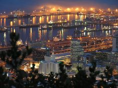 This photo from Western Cape, West is titled 'Cape Town Harbour'. The Beautiful Country, Life Is Beautiful, Most Beautiful Cities, Wonderful Places, Places To Travel, Places To See, Cape Town South Africa, Rest Of The World, Scenery
