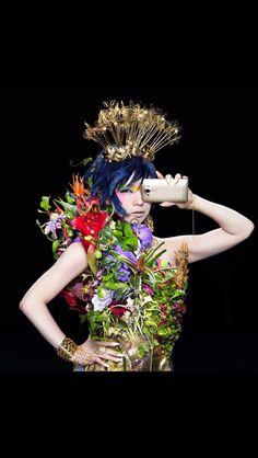 au isai vivid スタイリスト飯嶋さんの衣装にフラワーデコレーションん手がけました。 CMはこちらから https://youtube.com/watch?v=2srLeHgvv7o&feature=youtu.be 素晴らしいクリエーションの場に感謝です。 ありがとうございました。