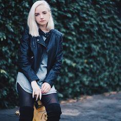 Platinum blonde//leather jacket