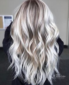 The most beautiful hairstyles for blonde hair from balayage to ombre Best Picture For fall ash blond Blonde Hair Looks, Ash Blonde Hair, Balayage Hair Blonde, Platinum Blonde Hair, Icy Blonde, Blonde Brunette, Blonde Grise, Hair Highlights, Platinum Highlights