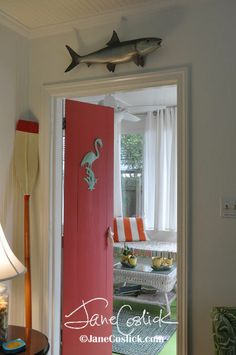 Love the painted door - adds color without painting the entire condo.