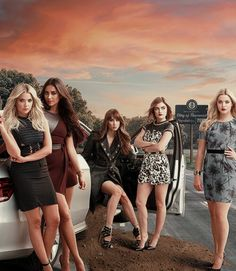Pretty Little Liars:Five Years Forward Promo Poster
