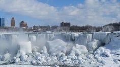 The Internet is buzzing this week with dramatic photos of what appears to be Niagara Falls completely frozen over. Niagara Falls almost frozen over. Niagara Falls Frozen, Niagara Falls Pictures, Alaska, Voyage Canada, American Falls, Stations De Ski, Westminster, Walter Mitty, Les Cascades