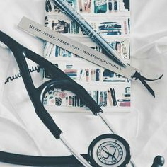 Dream ♥ Medical Students, Medical School, Nursing Students, Med Doctor, Nursing Books, Bsn Nursing, Medical Wallpaper, Medical Quotes, Medicine Student