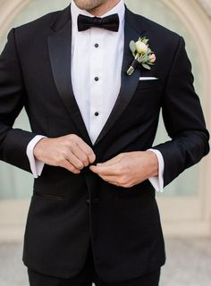 Black Tuxedo Jacket, Black Suit Men, Black Tuxedos, Groom Wear, Groom And Groomsmen, Grooms Men Attire, Groomsmen Attire Black, Groomsmen Tuxedos, Wedding Groom