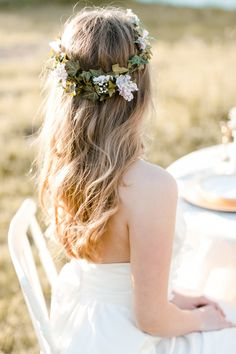 wedding hair and floral crown inspiration | Katie Nicolle Photography | Bridal Musings Wedding Blog