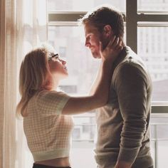 Arrow Oliver And Felicity, Felicity Smoak, Funny Disney Memes, Find Picture, Kara, Berry, Ships, Couple Photos, Beautiful