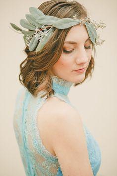 La Couronne florale Olivia créé avec feuilles d