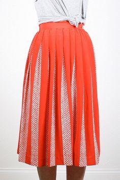 Vintage Midi Skirt Red White Pleated Skirt High Waisted Skirt Secretary Dress Skirt 1980s 80s Preppy Skirt Knee Length Skirt XS Extra Small #vintage #etsy #80s #1980s #skirt #midi #midiskirt #pleatedskirt