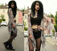 7194c93fee26ad Tessa Diamondly - Topshop X Kate Moss Paisley Kimono