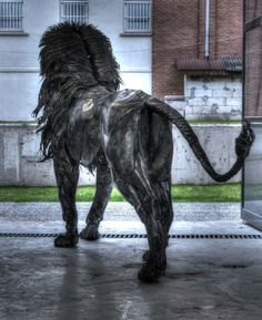 Escultor cria incrível leão de metal que parece ter vida própria Leão de Metal Escultura 10 640x785