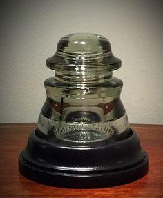 Electric Insulators, Insulator Lights, Glass Insulators, Rustic Lamps, Rustic Chandelier, Isolation, Pipe Lamp, Bottle Painting, Desk Lamp