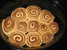 """Crockpot Cinnamon Rolls - Pinner says, """"the bread recipe was one of the best I've tried. hours cooking time a bit too long for my crock pot.burned them"""", so check before the end of the time Crock Pot Bread, Slow Cooker Bread, Crock Pot Food, Crock Pot Desserts, Slow Cooker Desserts, Crockpot Dishes, Crock Pot Slow Cooker, Delicious Desserts, Yummy Food"""