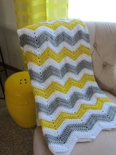 ZIGZAG BABY BLANKET in Yellow, Gray and White.