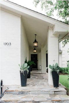 Exterior Paint, Exterior Design, Interior And Exterior, Outdoor Spaces, Outdoor Living, Exterior Makeover, Exterior Lighting, House Front, My Dream Home
