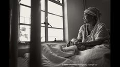 Patient watching hospital staff through window - Discovery Foundation Canon Photography, Discovery, Photographers, Foundation, Shots, Medical, Window, Portrait, Instagram