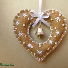 very cute, add some gold seed beads. could also use gold thread too.