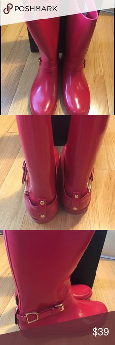 """🎀NEW🎀Ralph Lauren Rain Boots 🎀NEW🎀 Ralph Lauren Rain Boots   These are a glossy red color. I do not have the original box but will send in another box.   Approx 12.5"""" tall and opening is 7"""" across. ❌no trading or holding Ralph Lauren Shoes Winter & Rain Boots"""